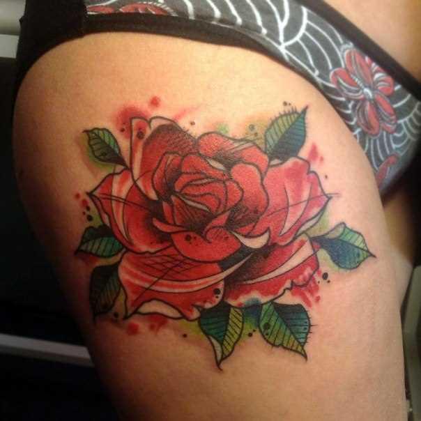 Tatuagem na coxa da menina - rosa