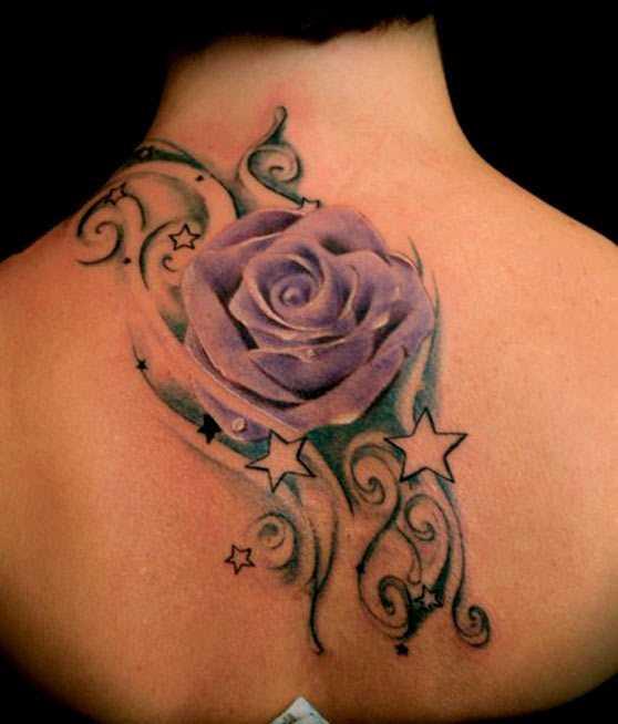 Tatuagem na espinha, as meninas rosa e estrela
