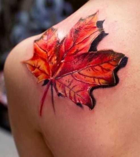 Tatuagem na lâmina de um cara em forma de folha