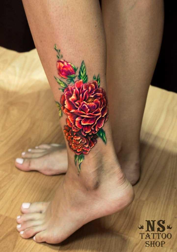 Tatuagem na perna da menina - cores