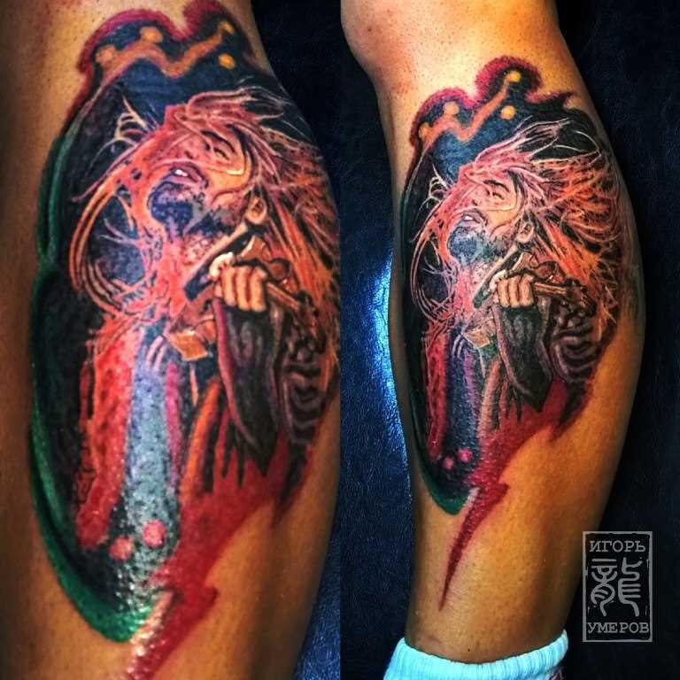 Tatuagem na perna da menina - David Garrett