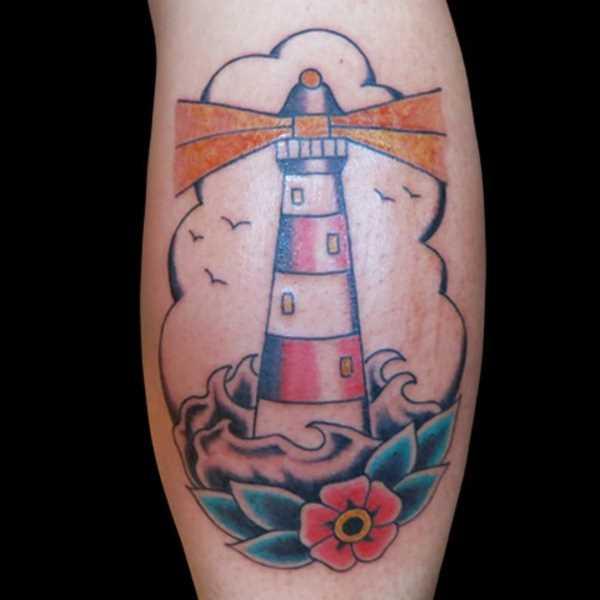 Tatuagem na perna da menina - farol