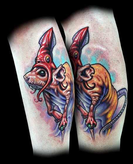 Tatuagem na perna da menina - o rato