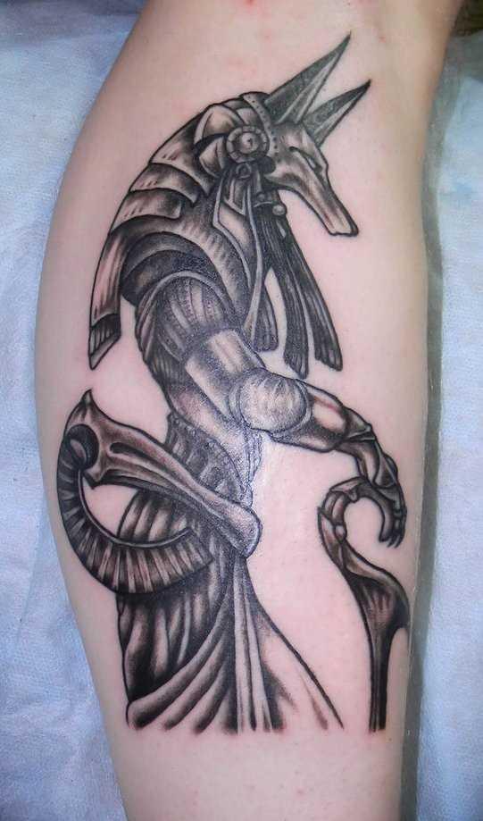 Tatuagem na perna da menina - of anubis