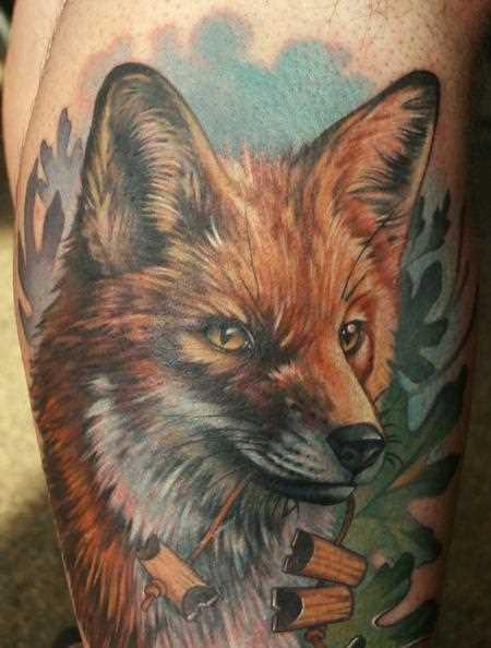 Tatuagem na perna de um cara - de- raposa