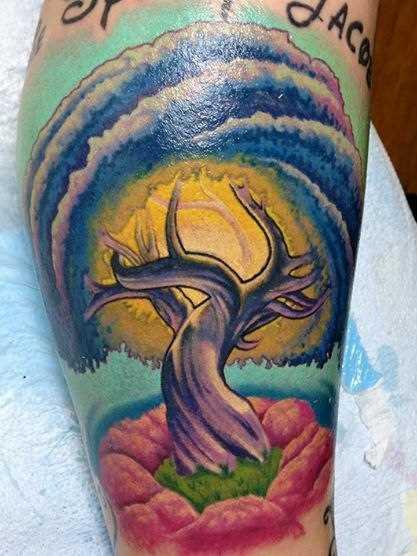Tatuagem na perna do cara - a árvore
