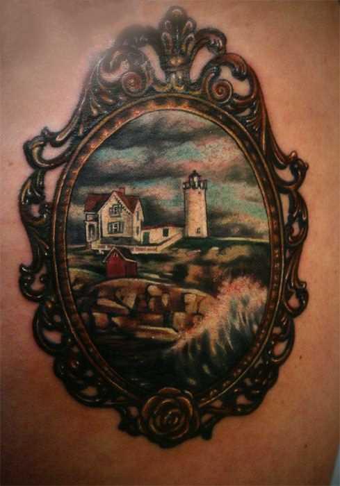 Tatuagem nas coxas da menina - o farol e a casa de