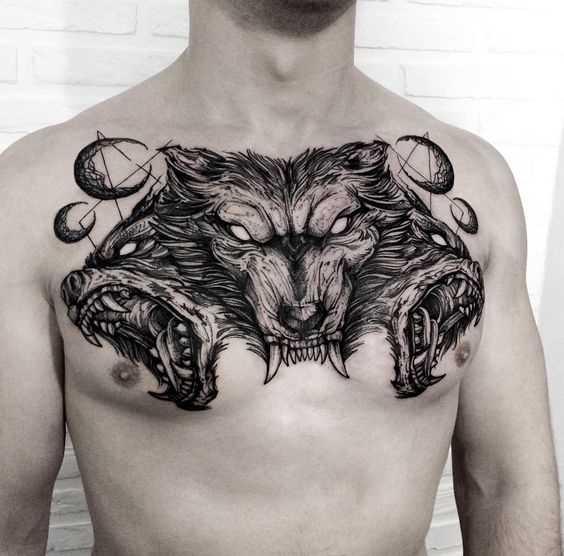 Tatuagem negativo na cara no peito