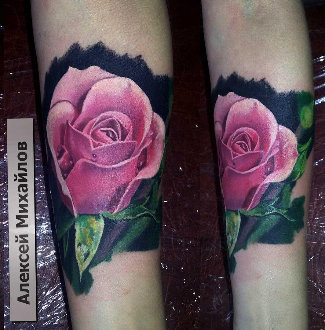 Tatuagem no antebraço, as meninas - rosa