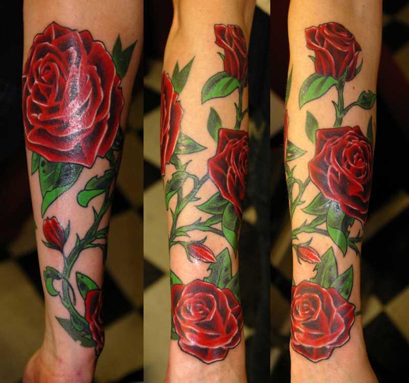 Tatuagem no antebraço, as meninas rosas vermelhas