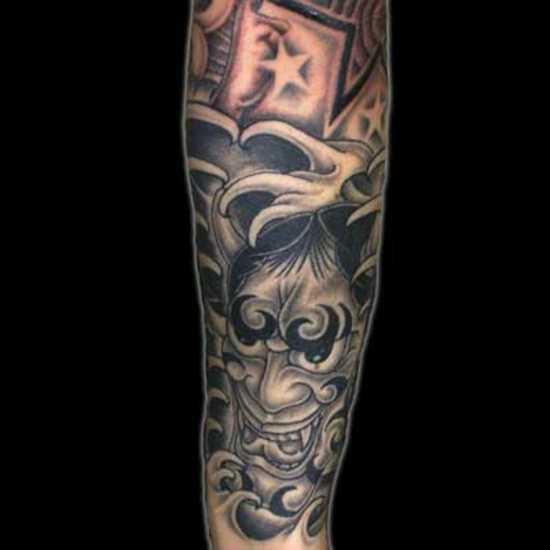 Tatuagem no antebraço meninas - ímpios máscara