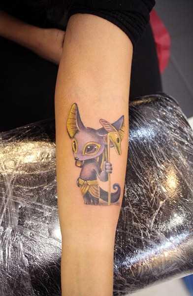Tatuagem no antebraço meninas - of anubis