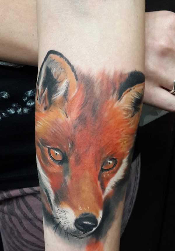 Tatuagem no antebraço meninas - raposa