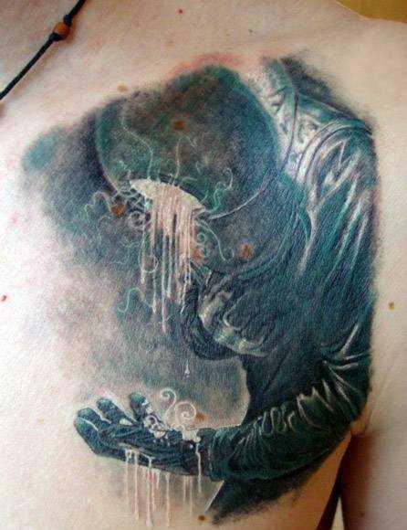 Tatuagem no peito do cara - o espaço