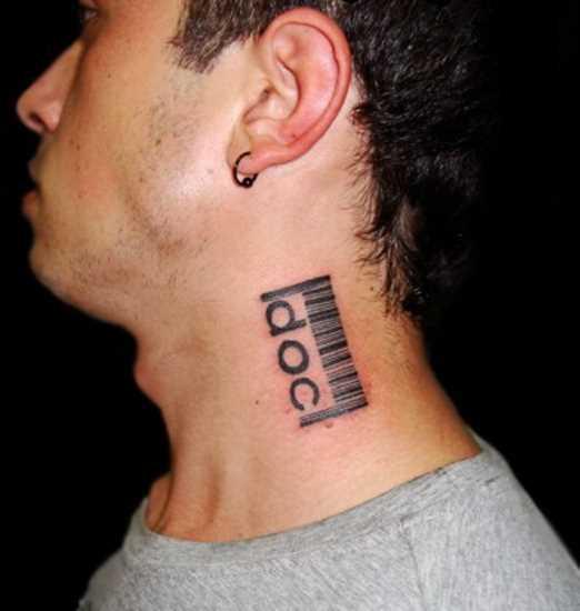 Tatuagem no pescoço de um cara - código de barras