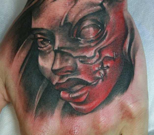Tatuagem no pincel cara - máscara