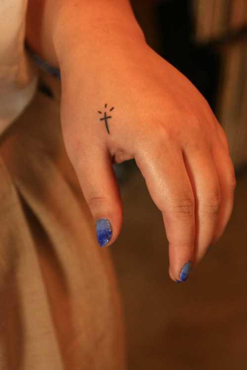 Tatuagem no pincel meninas - x