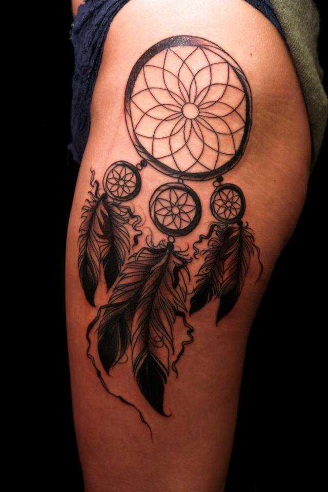 Tatuagem que a menina nos quadris - armadilha para os sonhos