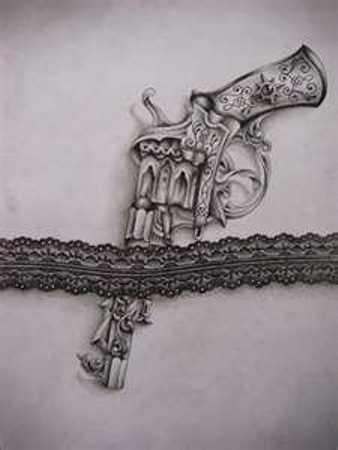Uma tatuagem que a menina nos quadris - a arma e a liga